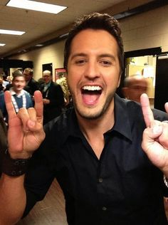 Luke Bryan at ACM awards!