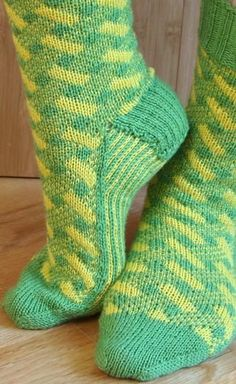 Plaid Play: Lattice Socks - Knitting Patterns and Crochet Patterns from KnitPicks.com