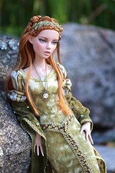 Tonner Deja vu doll - Lady Arabella Bertran