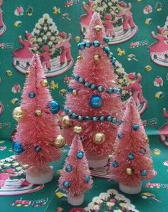 """Pink and Turquoise """"Reproduction Bottle Brush Trees"""" Shabby Chic Christmas, Vintage Christmas Cards, Retro Christmas, Christmas Love, Vintage Holiday, All Things Christmas, Christmas Holidays, Christmas Crafts, Christmas Ornaments"""