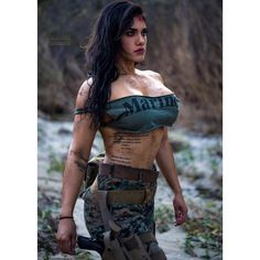 "jenn_isdaname ""It's not who you are that holds you back. It's who you think you are NOT. Female Marines, Female Soldier, Corps Fitness, Military Girl, Warrior Girl, Military Women, Girl Photos, Latina, Beauty Women"