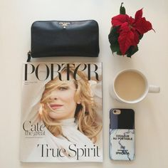 Najlepszy pomysł na prezent dla zabieganych modnych kobiet nie rozstających się ze swoim telefonem - etui na iPhone Iphoria z www.bag-a-porter.pl #prezent #święta