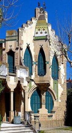 Art Nouveau villa in Cardedeu Spain [building] (i.it) submitted by Viva_Straya to /r/architecture 0 comments original - Architecture and Home Decor - Buildings - Bedrooms - Bathrooms - Kitchen And Living Room Interior Design Decorating Ideas - Barcelona Architecture, Art Nouveau Architecture, Art And Architecture, Architecture Details, Montserrat, Villa, Art Deco Buildings, Amazing Buildings, Gaudi