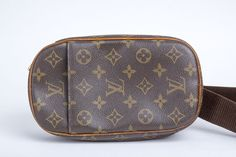 Auth LOUIS VUITTON Monogram Pochette Gange Cross Bag M51870 #LouisVuitton #ShoulderBag