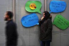 De rabias y sonrojos. El piropo ha pasado de considerarse una joya a vivirse como un micromachismo. Dos expertos reflexionan sobre la figura del piropo en el siglo XXI y sobre la existencia de un piropo jatorra; es decir, no sexista. Rubén Olveira Araujo | Noticias de Gipuzkoa, 2017-02-05 http://www.deia.com/2017/02/05/sociedad/estado/de-rabias-y-sonrojos