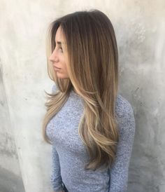 Gradient from brunette to blonde by Tim Dueñas
