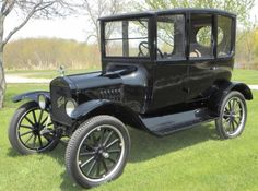 1921 Ford, Centerdoor Sedan, oldsmobile, black, grass, trees, vehicle, transportation, history, photo.