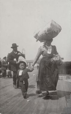 What Americas Immigrants Looked Like When They Arrived On Ellis - 31 ellis island immigrant photos 100 years ago perfectly depict american diversity