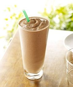 Grande Nonfat Mocha Coconut Light Frappuccino No Whip - 160 calories! Starbucks Frappuccino, Starbucks Coffee, Blended Coffee Drinks, Homemade Iced Coffee, Mocha Smoothie, Vanilla Yogurt, I Love Food, Sweet Tooth, Diet