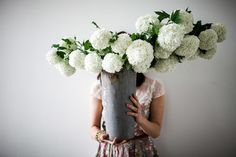 White Hydrangeas / Wedding Style Inspiration / LANE / by Soil and Stem All Flowers, White Flowers, Beautiful Flowers, White Hydrangeas, Wedding Flower Arrangements, Floral Arrangements, Wedding Flowers, Decoration Design, Wedding Styles
