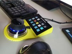 Design Tech, Computer Workstation, Impression 3d, Random Stuff, Cool Stuff, 3d Printer, Keyboard, Diy Projects, Joy