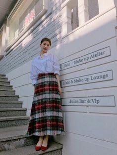 Choi Yoojung, Kim Doyeon, Vogue, Na Jaemin, Cosmic Girls, Airport Style, Woman Crush, Girl Crushes, Kpop Girls