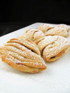 Rise and Shine: Rum Cherry Sfogliatelle Ricci Italian Pastries, Italian Desserts, Italian Recipes, Italian Cookies, Pastry And Bakery, Pastry Cake, Vanilla Pudding Cake, Icebox Cake, Cookbook Recipes