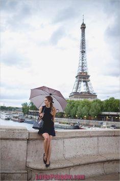 Little Black Dress In Paris - Gal Meets Glam : Little Black Dress In Paris Avenue des Camoens for best shots of Eiffel tower Tour Eiffel, Paris Torre Eiffel, Paris Photography, Travel Photography, Inspiring Photography, Beauty Photography, Creative Photography, Digital Photography, Portrait Photography