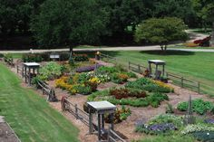 First Place Winner Category I : LSU AgCenter Botanic Gardens, Baton Rouge, Louisiana