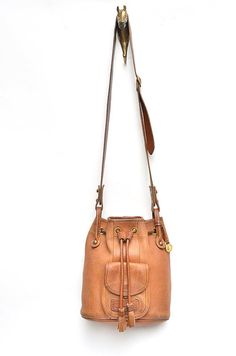 vintage leather DOONEY and BOURKE bucket bag - Enter code FLIP4FALL for 20 dollars off a 50 dollars or more purchase!