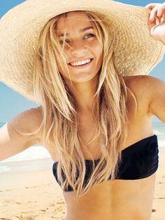 Diseña tu propio bikini http://www.marie-claire.es/moda/consejos-moda/articulo/disena-tu-propio-bikini-361403079917