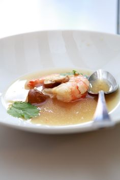 Tom Yam Gung sous-vide, crazy stuff. @Allison Powers Greenberg Deutschland | www.highfoodality.com
