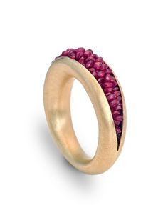 18K gold and crocheted ruby beads ring by Ulli Kaiser