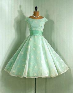 #50s #partydress #dress #vintage #retro #silk #classic #romantic #promdress #feminine #fashion #ballerina #mint #petticoat