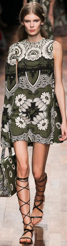 Valentino. Spring 2015. – High Fashion / Ethnic & Oriental / Carpet & Kilim & Tiles & Prints & Embroidery.