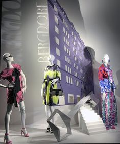 "BERGDORF GOODMAN, New York City, USA, ""The Key 🔑 to Summer Fashion Success"", photo by Stylecurated, pinned by Ton van der Veer Bergdorf Goodman, Visual Merchandising, New York City, Window, Van, Success, Display, Summer, Inspiration"