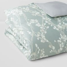 Oake Sonata Duvet Cover, King - 100% Bloomingdale's Exclusive (10710 TWD) ❤ liked on Polyvore featuring home, bed & bath, bedding, duvet covers, sage green, king bedding, king bed linens, king size bedding, king size bed linens and sage green bedding
