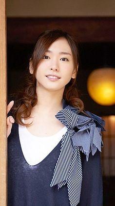 新垣結衣[20738762]|完全無料画像検索のプリ画像 byGMO Ideal Beauty, Asian Beauty, Japanese Beauty, Japanese Girl, Cute Asian Girls, Cute Girls, Prity Girl, Celebrity Faces, Cute Girl Outfits