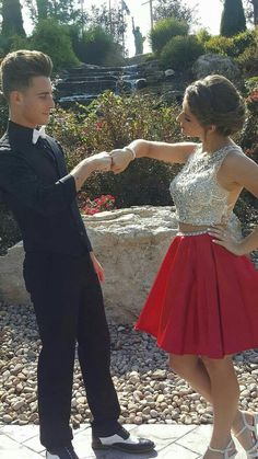 More prom picture poses, prom poses, homecoming poses, senior prom, homecoming dresses Red Hoco Dress, Two Piece Homecoming Dress, Red Homecoming Dresses, Prom Dresses Two Piece, Dresses Short, Hoco Dresses, The Dress, Party Dresses, Quinceanera Dresses