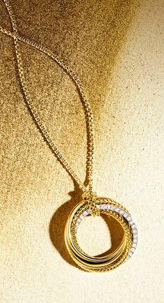 Crossover necklace with diamonds.