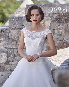 アクア・グラツィエがセレクトした、LUISA(ルイザ)のウェディングドレス、LU6143をご紹介いたします。