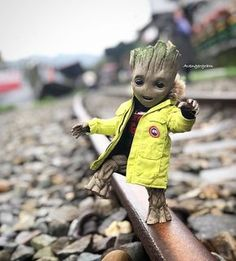 Groot loves going outside on the train tracks Marvel Films, Marvel Art, Marvel Heroes, Marvel Avengers, Marvel Comics, Groot Avengers, Groot Guardians, I Am Groot, Marvel Drawings