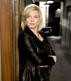Amanda Redman, who plays DS Sandra Pullman in New Tricks, talks to us about the new series. Female Actresses, Actors & Actresses, Amanda Redman, Grey Hair, New Tricks, Celebrity Photos, Sexy Women, Hair Beauty, Celebrities