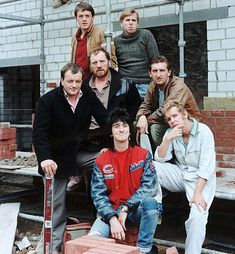 Auf Wiedersehen pet ~ TV Series about a group of British builders working in Germany. 🎶working on site from morning till night, that's living alright🎶 British Comedy, British Sitcoms, The Best Series Ever, Tv Ads, Comedy Tv, Television Program, Old Tv Shows, Vintage Tv, My Childhood Memories