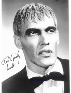 Ted Cassidy as Lurch in The Addams Family. The Addams Family 1964, Addams Family Tv Show, Lurch Addams Family, Carole Lombard, Hollywood Stars, Classic Hollywood, Michael Fassbender, Hrithik Roshan, Ted Cassidy