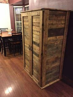 DIY Reclaimed Wood Project.
