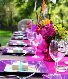Table setting, perfect for Spring birthdays! Love the colors