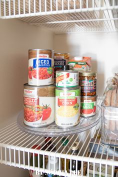 Okay I think this is genius for my pantry organization!!! First Apartment Checklist, First Apartment Essentials, Apartment Hacks, Apartment Kitchen, Moving House Tips, Moving Tips, Moving Hacks, Small Pantry Organization, Apartment Decorating On A Budget