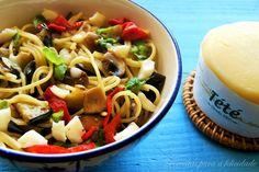 Esparguete com Beringela, Cogumelos e Queijo Curado