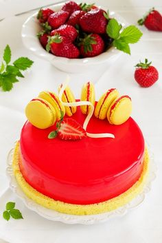 lemon-strawberry cake...