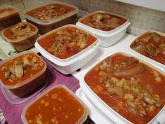 Körömpörkölt az éhes családnak, vedd elő a legnagyobb edényed és készülhet is a finomság! Thai Red Curry, Pudding, Ethnic Recipes, Desserts, Food, Tailgate Desserts, Deserts, Custard Pudding, Essen
