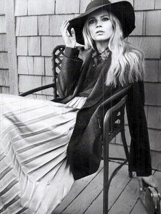 pleated skirt + felt hat