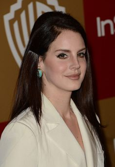 I love Lana's makeup here. Simple but eye catching.   Google Image Result for http://www1.pictures.zimbio.com/gi/Lana%2BDel%2BRey%2B14th%2BAnnual%2BWarner%2BBros%2BInStyle%2BAsv0CpyW-5Tl.jpg