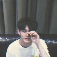 U : bangun ih saur Osw : ihhh aku masih ngantuk U : ihhh nanti keburu ims Ong Seung Woo, My Big Love, Kim Jaehwan, My Destiny, Ha Sungwoon, Seong, Guy Pictures, Kpop Aesthetic, Youngjae