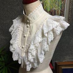 Moe steampunk victorian lolita. Lace ruffle dickie