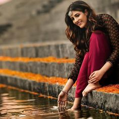 Most Popular Indian Beautiful Celebrities - Sweety Hindustan keep support please 🙏🙏🙏 Aarushi singh official 🔥🔥🔥 Girl Photo Shoots, Girl Photo Poses, Girl Photos, Girl Pictures, Stylish Photo Pose, Stylish Girls Photos, Stylish Girl Pic, Portrait Photography Poses, Photography Poses Women