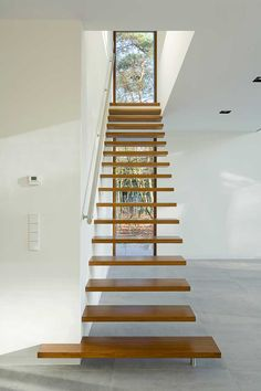Wooden Stairs / Contemporary Design