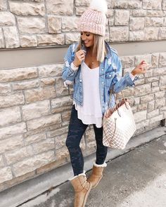 Camo leggings outfit, cute outfits with leggings, lazy outfits, casual college outfits, Winter Outfits For Teen Girls, Casual Winter Outfits, Casual Fall Outfits, Winter Fashion Outfits, Look Fashion, Autumn Fashion, 2000s Fashion, Women's Casual, Fashion Black