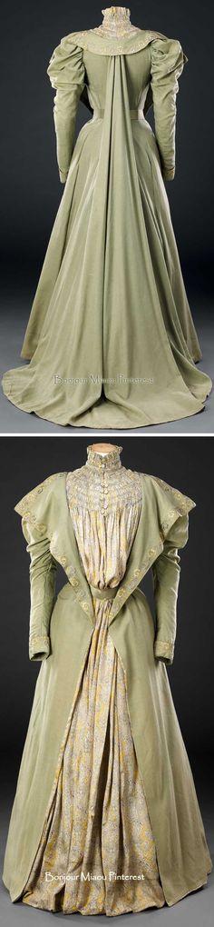 Tea gown ca. late 1890s. Photos: Jon Stokes. The John Bright Collection