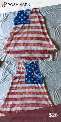 🇺🇸 Top💥💥 Used great condition top. United States flag. White red blue top Tops Tank Tops